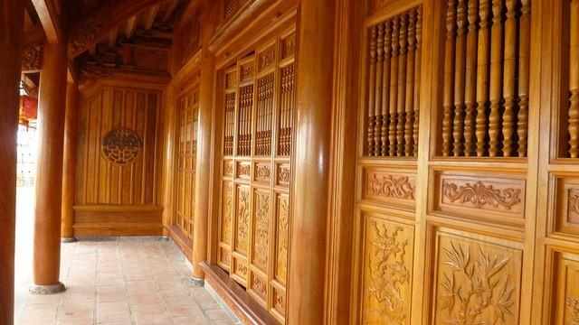 Nhà gỗ 4 gian - Nhà Anh Hùng Tòng Bạt, Ba Vì, Hà Nội